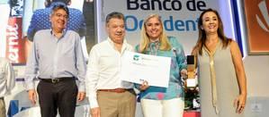 csm-santos-award-4f8b703776.jpg